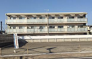 ファミリア東月極駐車場